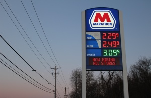 Marathon gas station displays its lowered prices. Photo by Haley Palmer.