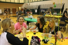 Seniors Sydney Sears, Dylan Copenhaver, Mackenzie Jenkins, and Kat Northam make jokes while they finish their tacos.